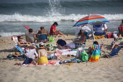 East Hampton Village Bans Smoking On